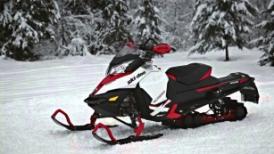 Что брать с собой при поездках на снегоходе? Делимся опытом.